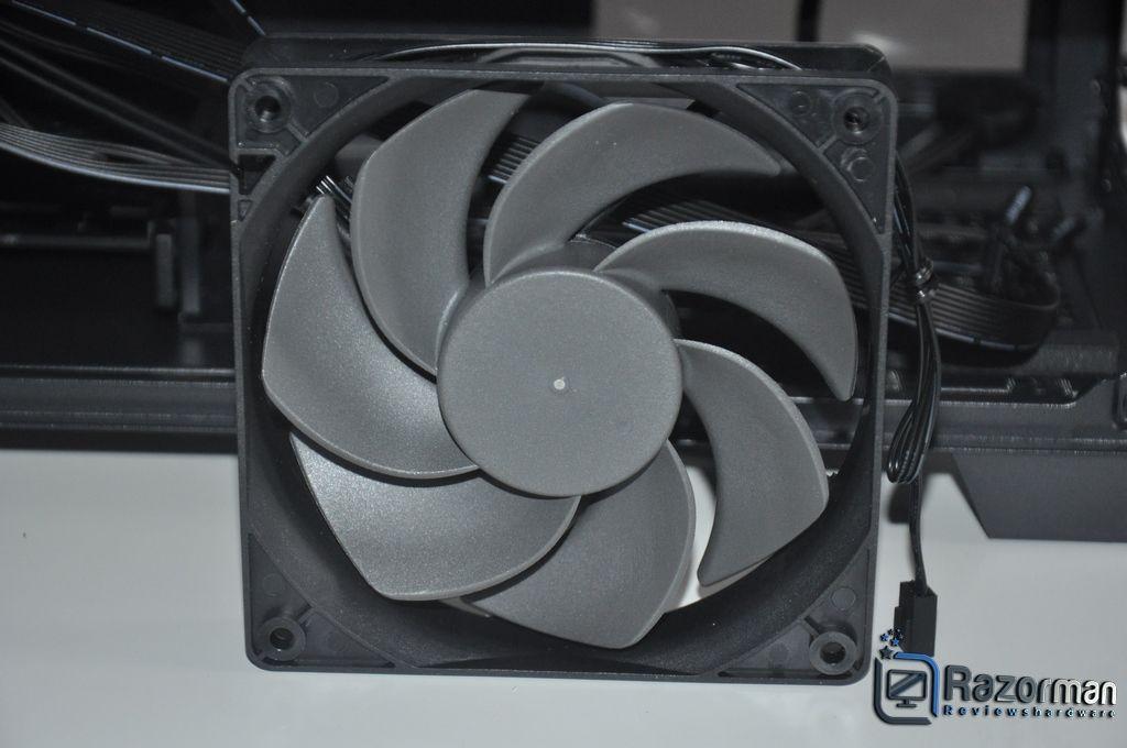 Review Antec DF600 FLUX 6