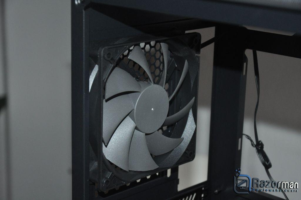 Review Antec DF600 FLUX 11