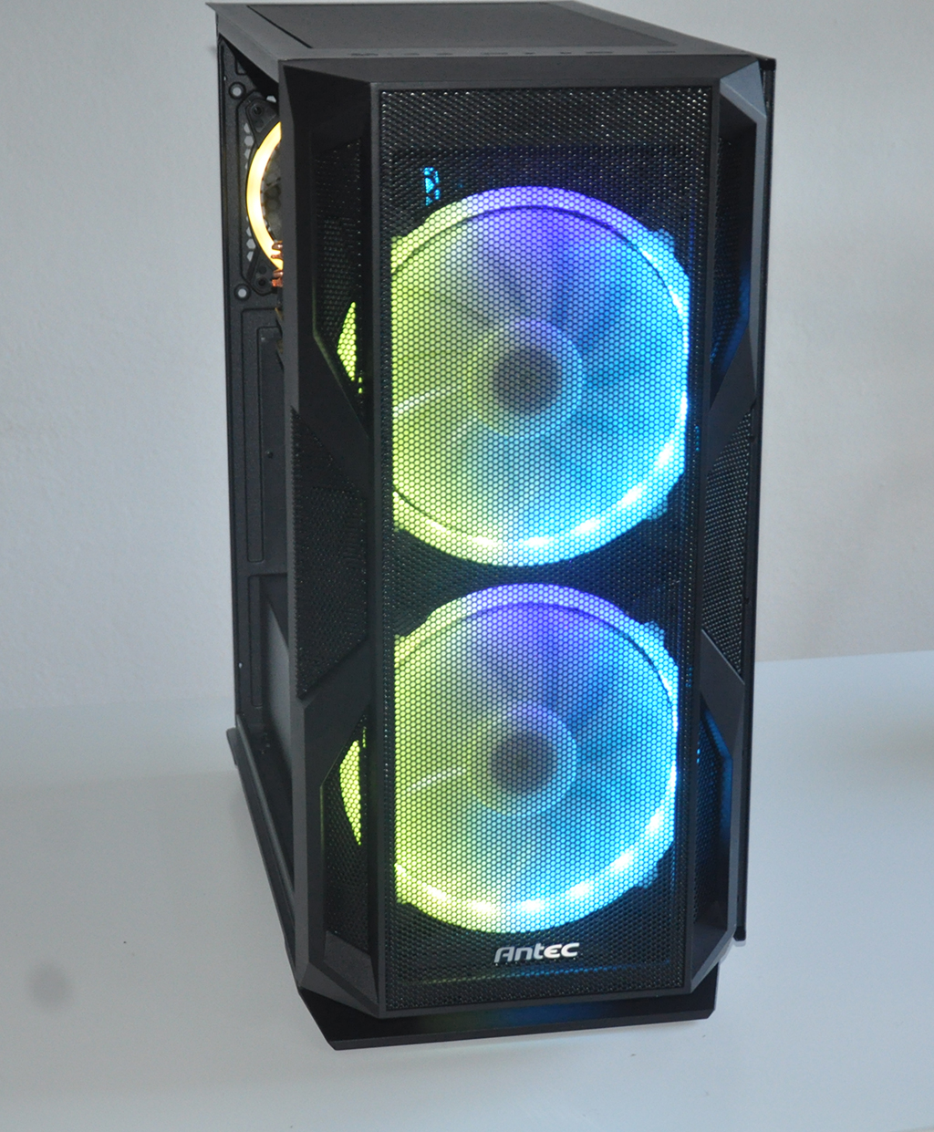 Review Antec NX800 28