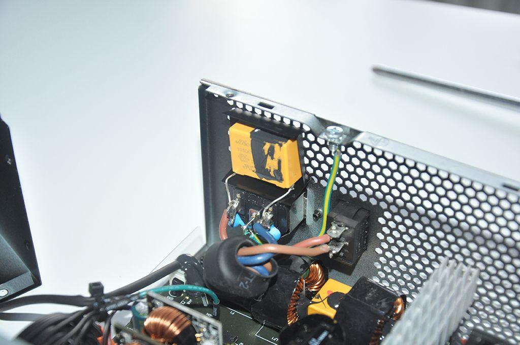 Review Antec Neo Eco Zen 700W 3