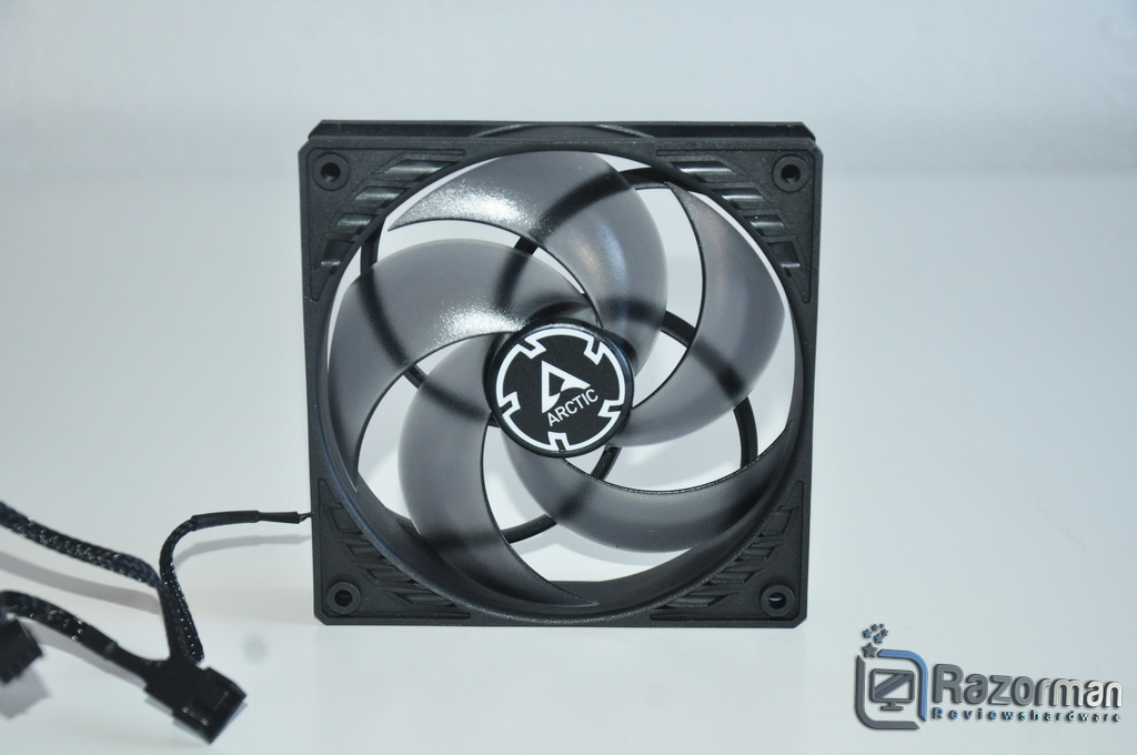 Review Arctic Freezer 34 12
