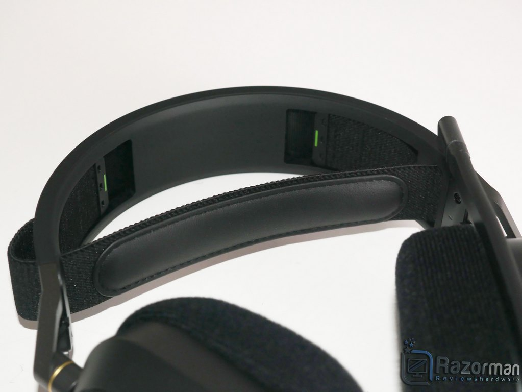 Review Corsair HS80 RGB Wireless 12