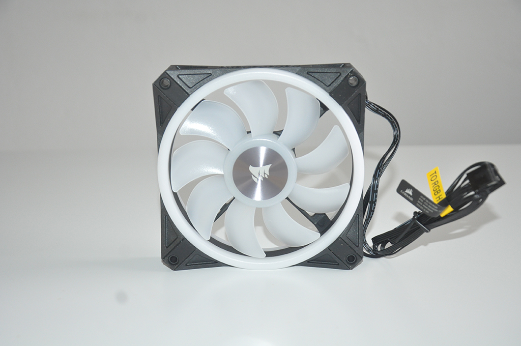 Review Corsair QL120 RGB 5