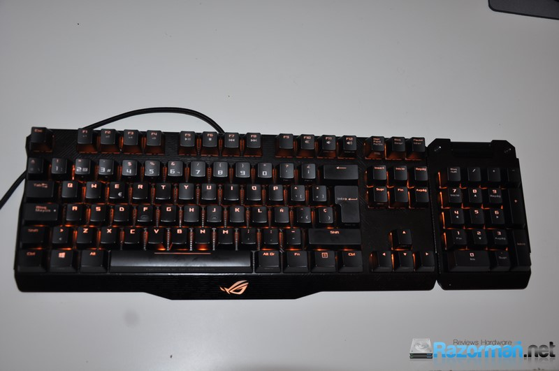 Review Asus ROG Claymore 697