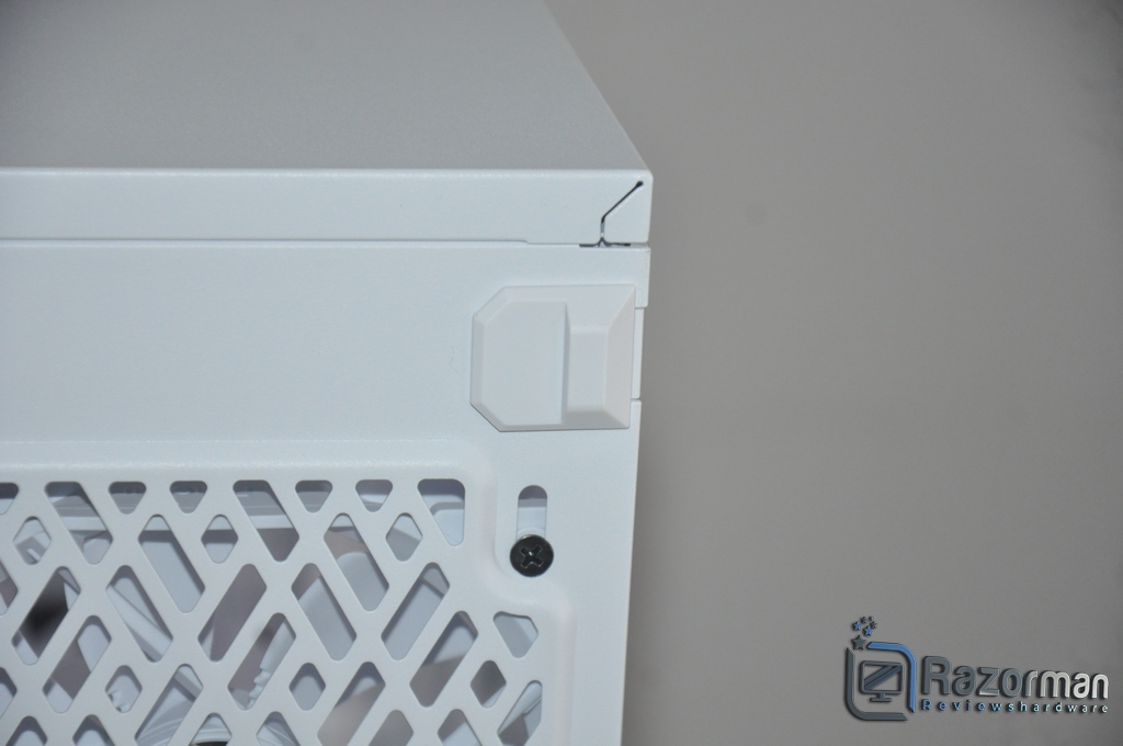 Review Fractal Define 7 Compact Light Tempered Glass 10