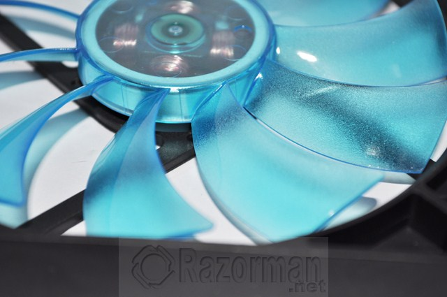 Review Gelid Slim 12 UV Blue 12