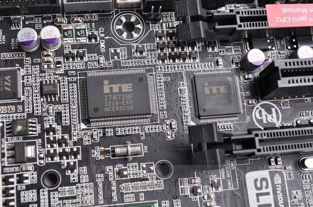 Review Placa Base Gigabyte Z77X-UP5TH 54