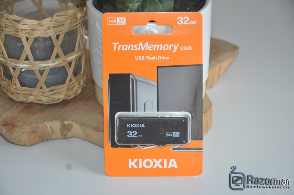 Review Kioxia Transmemory U365 32 GB 1