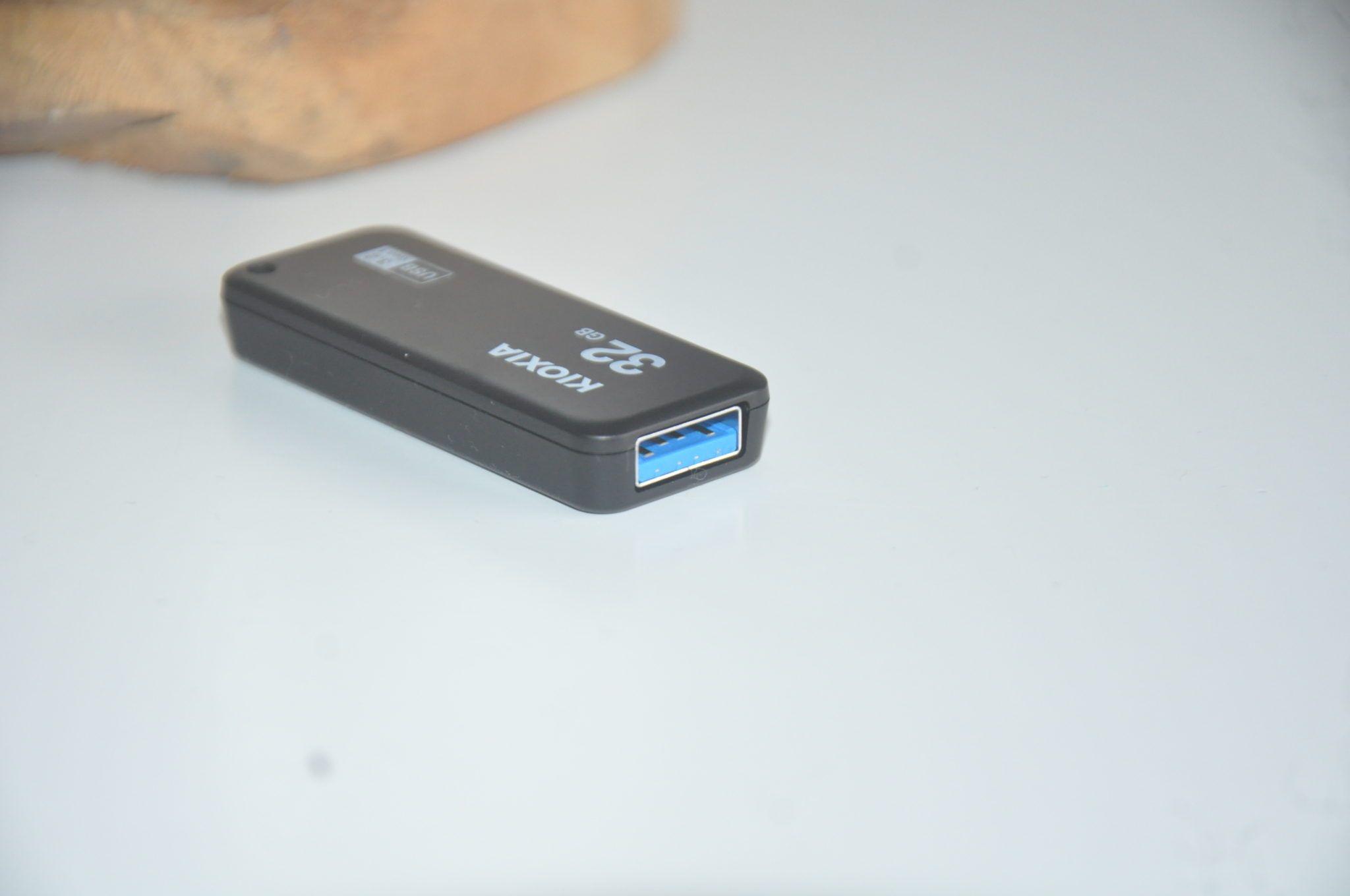 Review Kioxia Transmemory U365 32 GB 6
